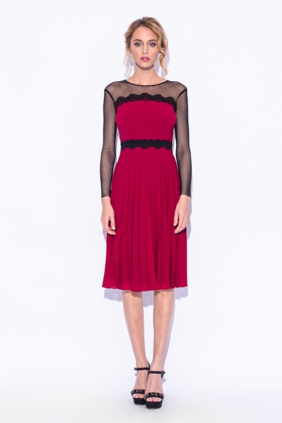Plisowana sukienka z tiulową wstawką