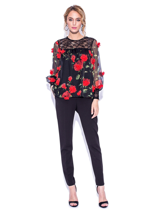 Czarna bluzka w kwiaty z trójwymiarowymi aplikacjami