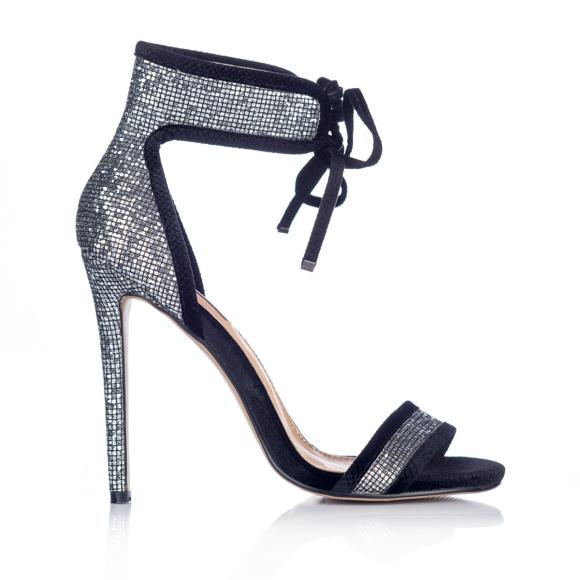 Sznurowane sandały ze srebrnymi wstawkami