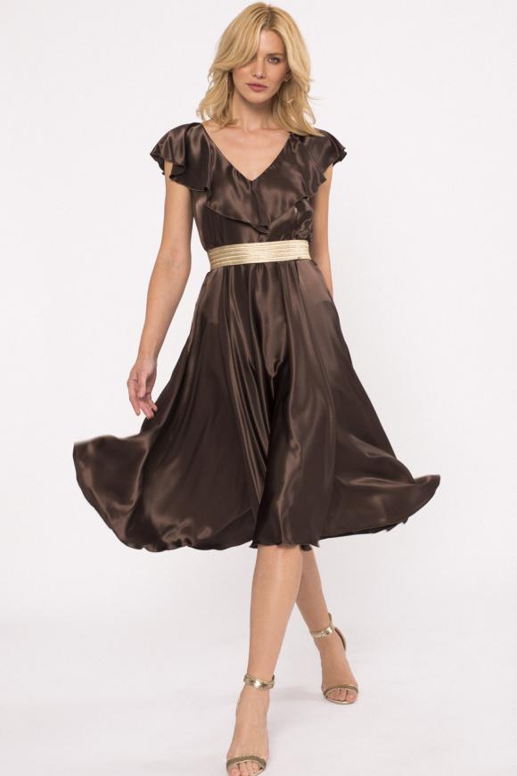 Rozkloszowana sukienka z falbankami