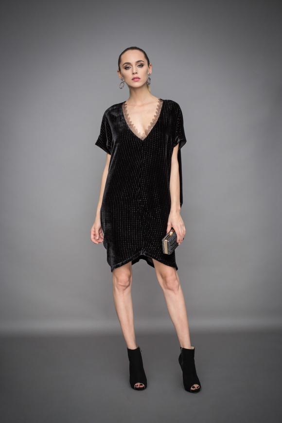 Aksamitna asymetryczna sukienka