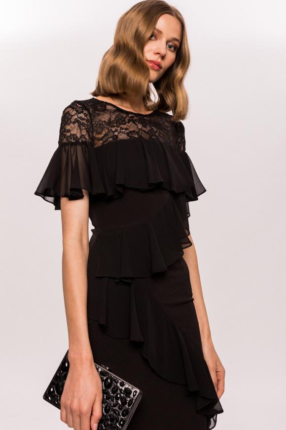 Suknia wieczorowa z falbankami