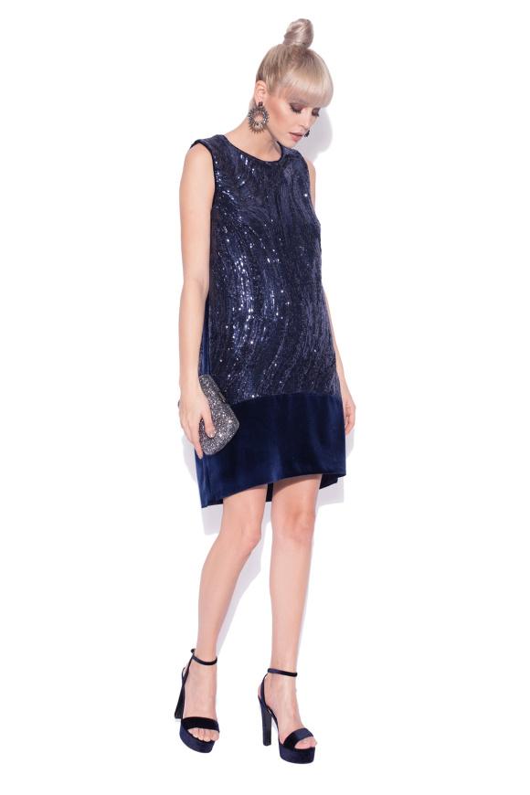 Cekinowa i aksamitna sukienka
