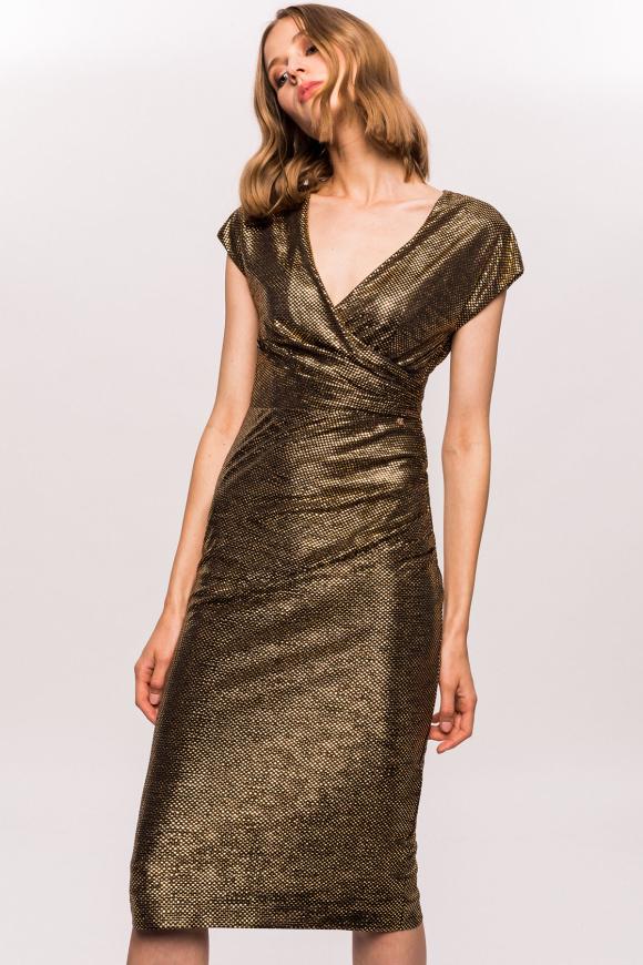Złota sukienka z kopertowym dekoltem