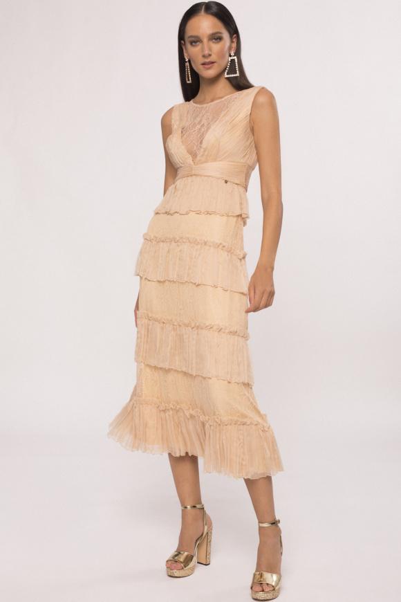 Jedwabna sukienka z falbankami i koronkowymi detalami