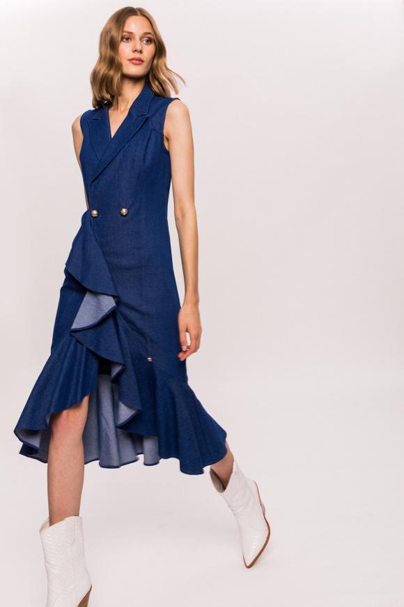 Drapowana jeansowa sukienka z falbankami