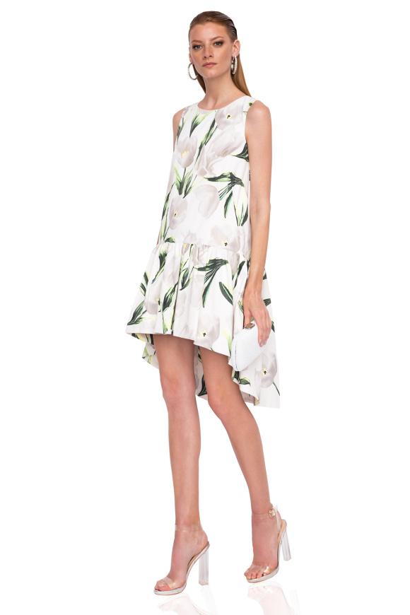 Asymetryczna sukienka z kwiatowym nadrukiem