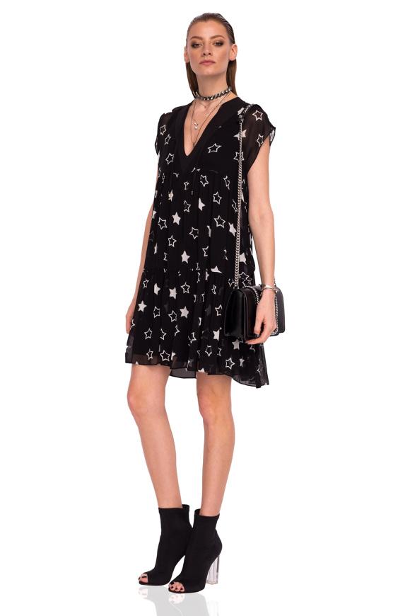 Luźna sukienka w gwiaździsty wzór