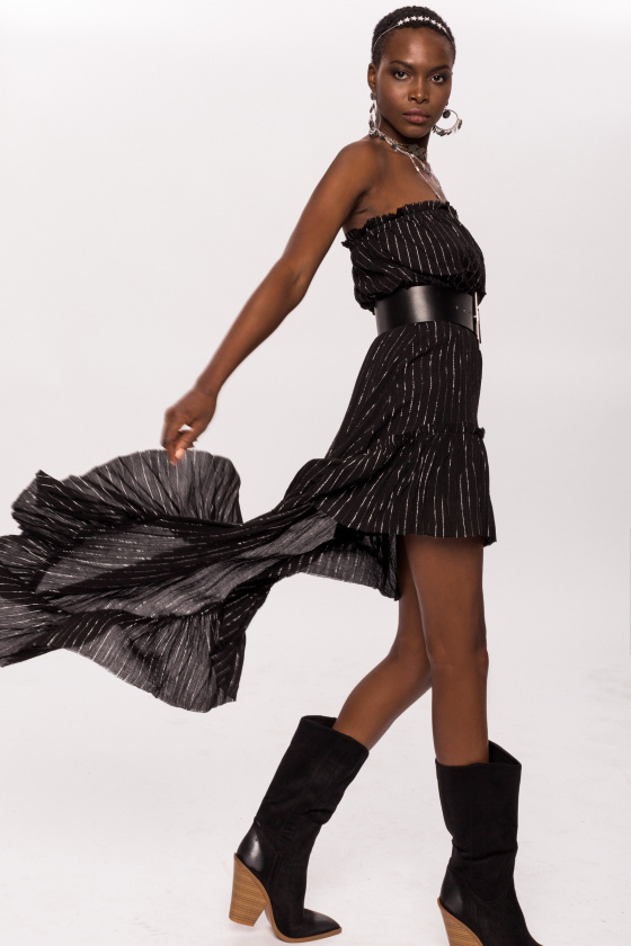 Asymetryczna sukienka ze srebrnymi wstawkami