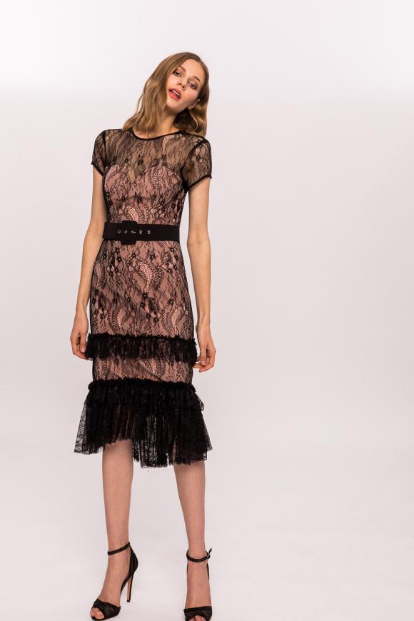 Koronkowa sukienka midi z falbankami