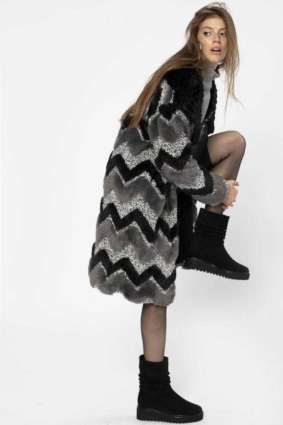 Długi płaszcz z ekologicznego futra