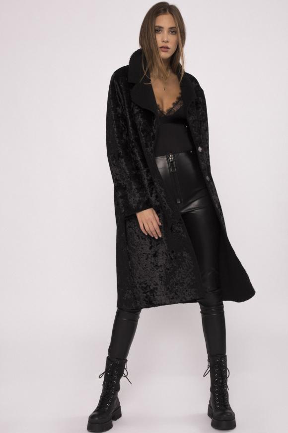 Elegancki płaszcz z ekologicznego futra
