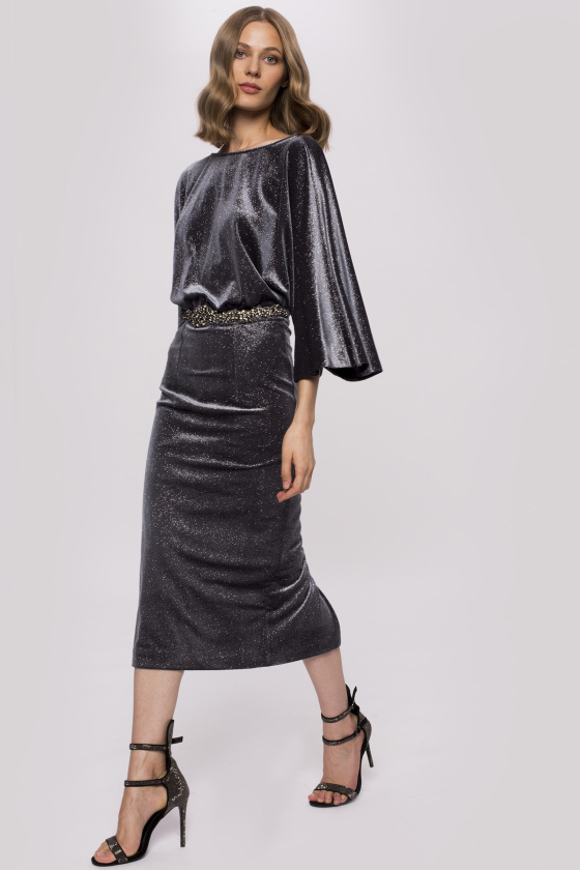 Aksamitna sukienka midi z detalem w talii | RS10189 | NISSA