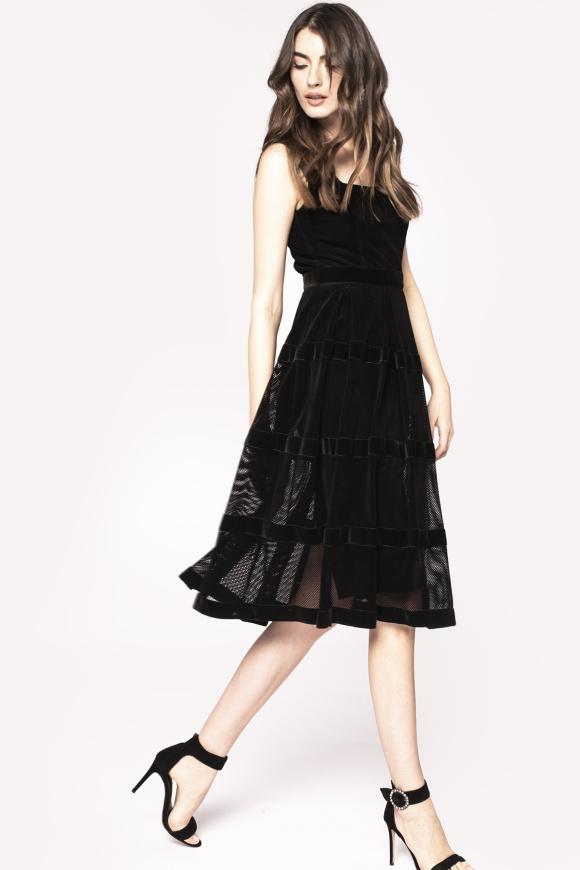 Elegancka sukienka midi bez rękawów