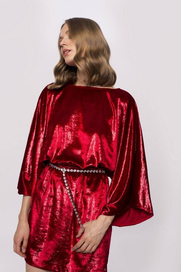 Sukienka z długimi rękawami typu nietoperz