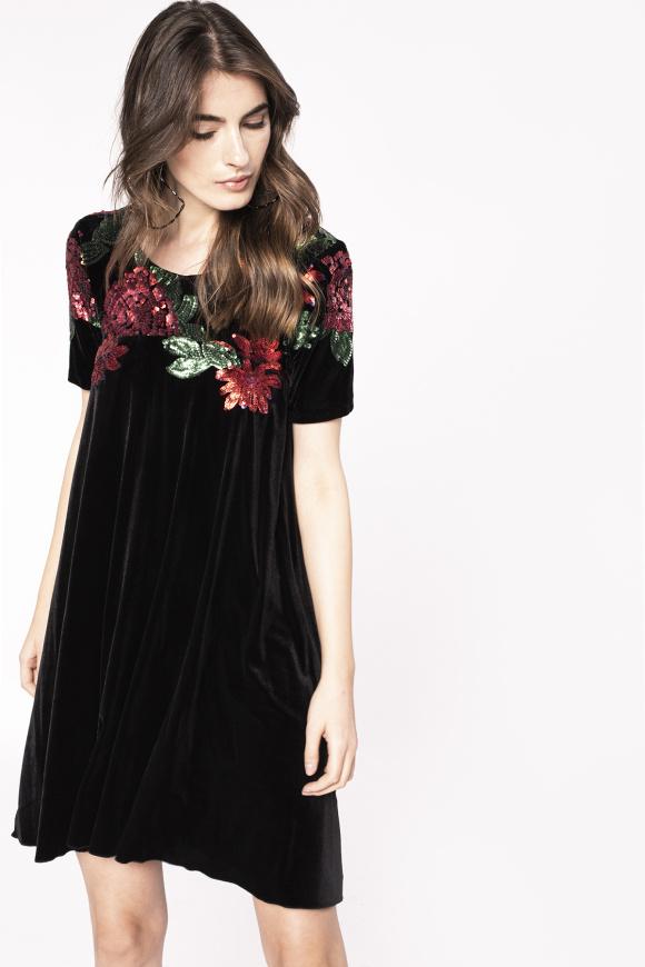Aksamitna sukienka z kwiatowym nadrukiem