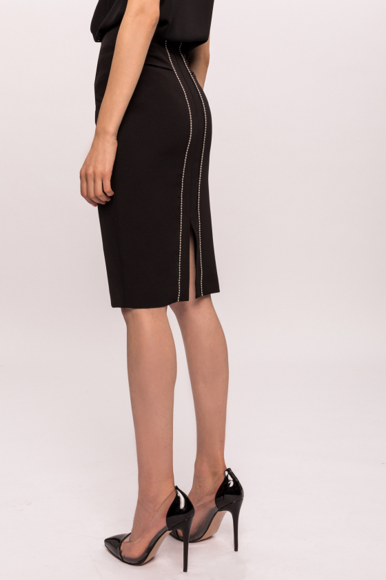 Fitted skirt with metallic detail