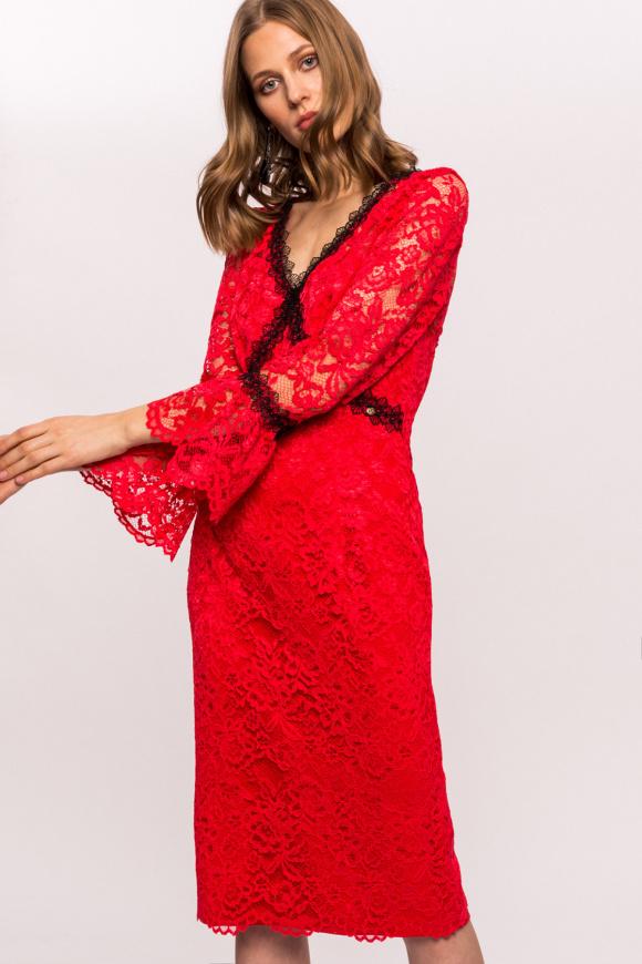 Sukienka z kontrastową koronką