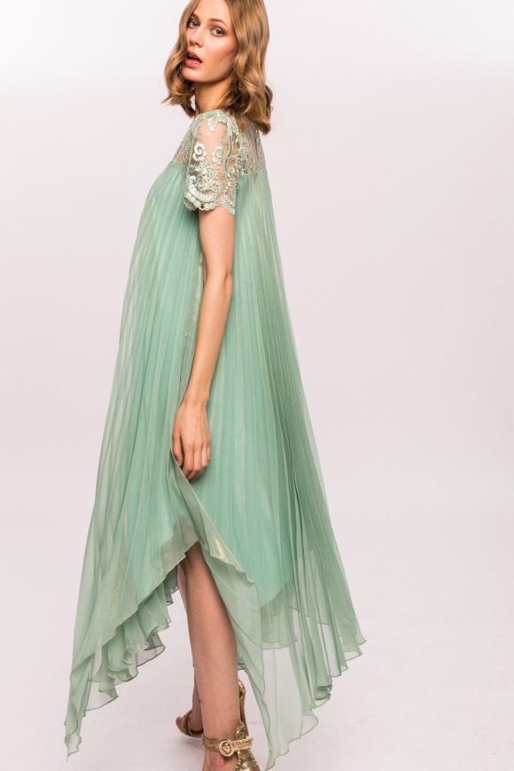 Plisowana sukienka z koronką 3D