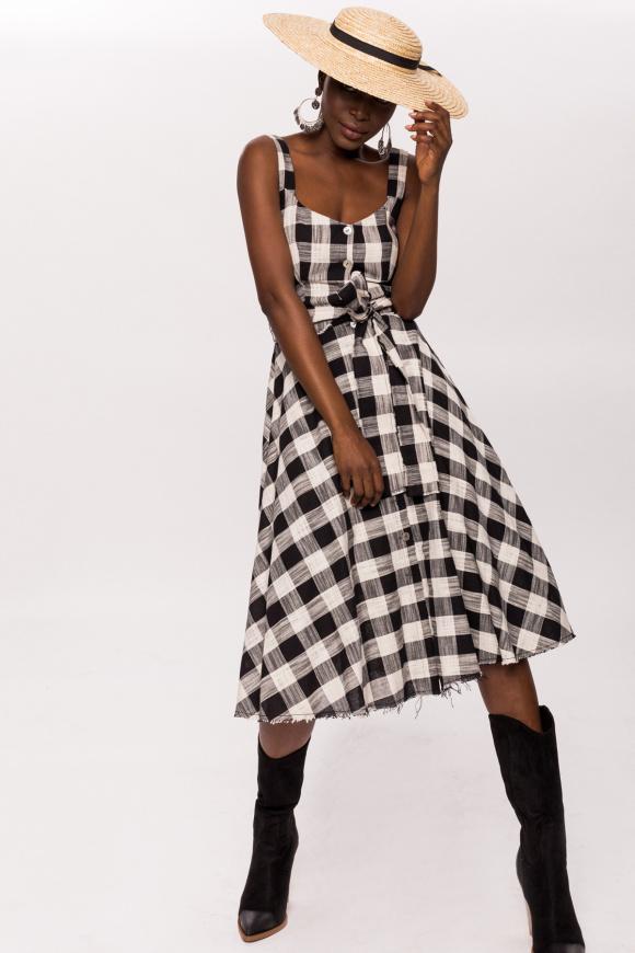 Bawełniana sukienka w kratkę z guzikami