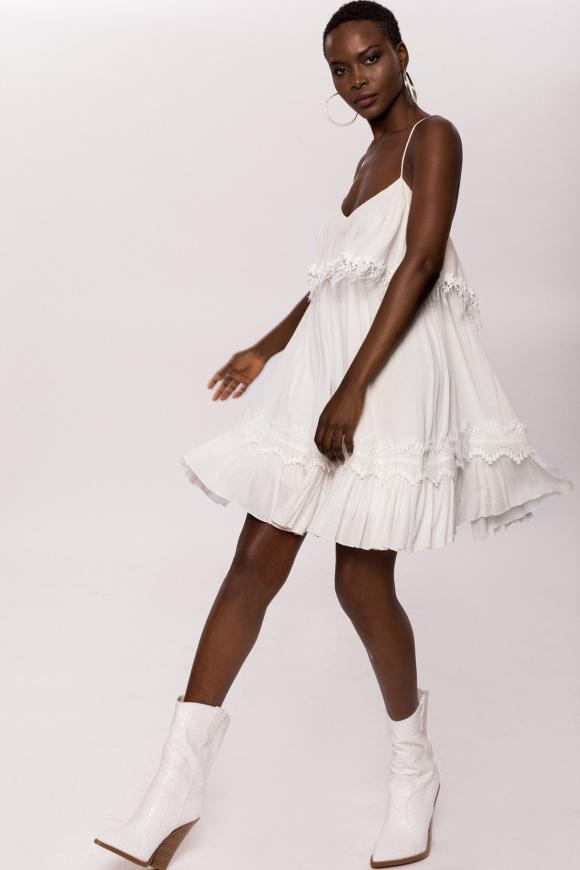 Sukienka wiskozowa z frendzlami i koronkowymi detalami