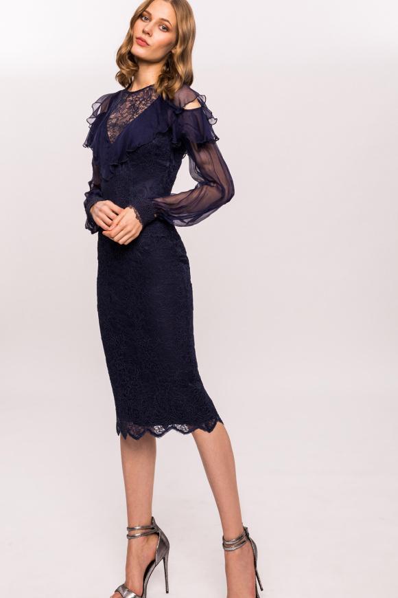 Jedwabna sukienka z falbankami i koronką