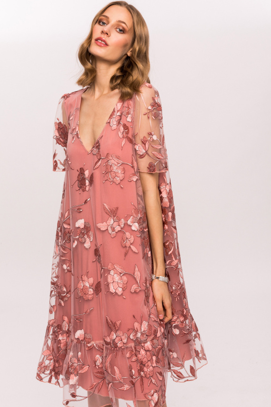 Embroidered flowers and short sleeves dress