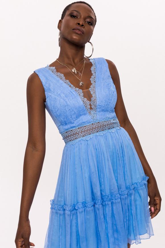 Jedwabna sukienka z koronkową wstawką