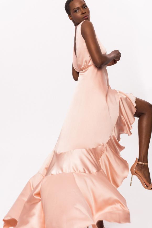 Asymetryczna sukienka z falbankami