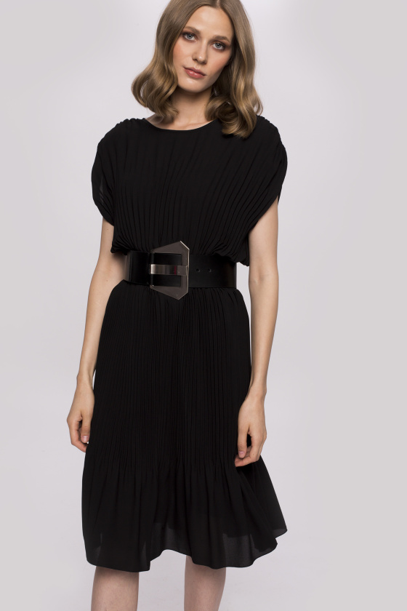 Tiulowa plisowana sukienka