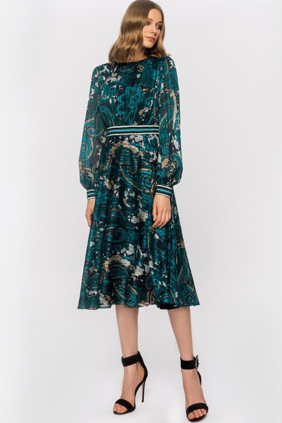 Sukienka z nadrukiem i pasem