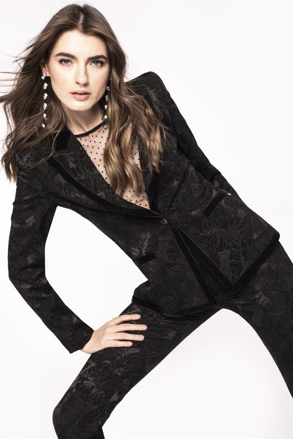 Kontrastowa haftowana kurtka