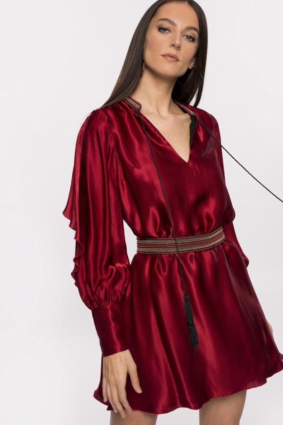 Lekka wiskozowa sukienka z dekoltem w szpic