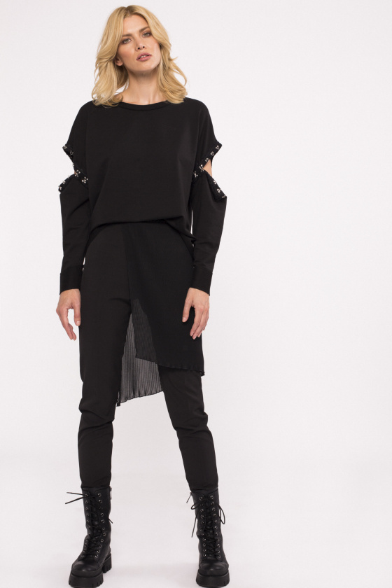 Overlapping veil trousers