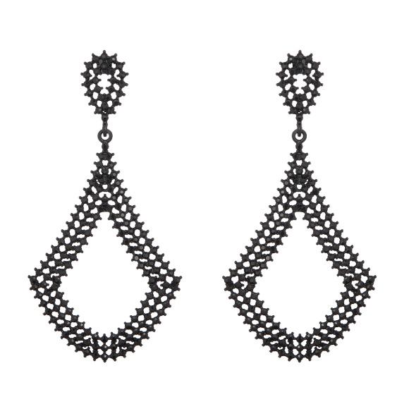 Chandelier shaped metallic finish earrings