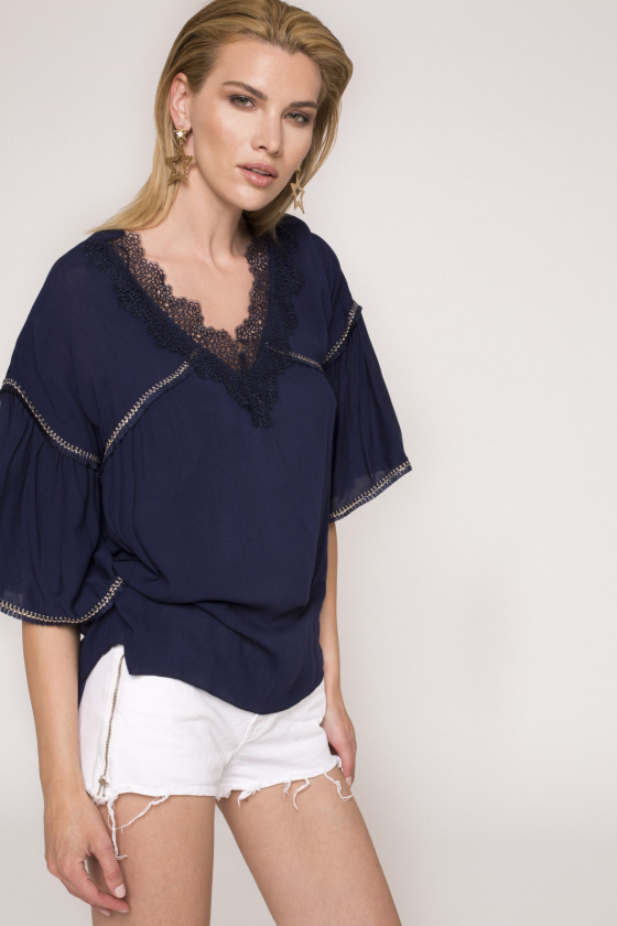Puffed sleeves viscose top