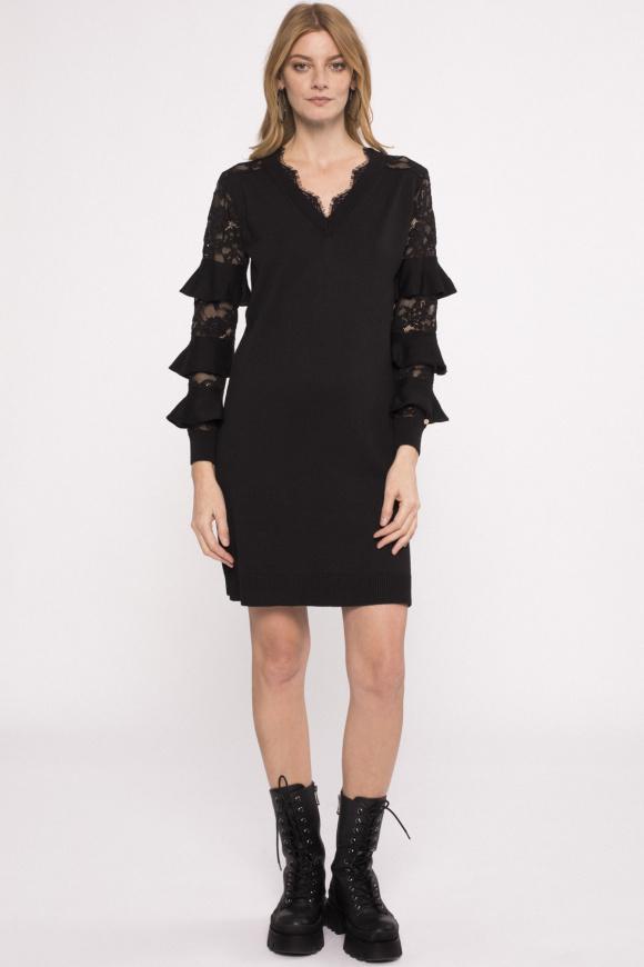 Ruflle details knit dress