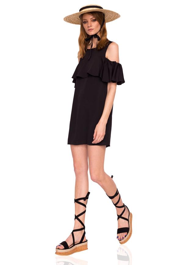 c4f1ed24e8 Czarna krótka sukienka z falbanką i wycięciami