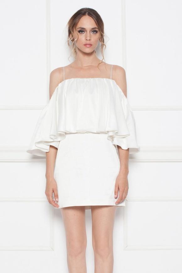 Sukienka wieczorowa z falbankami i odkrytymi ramionami