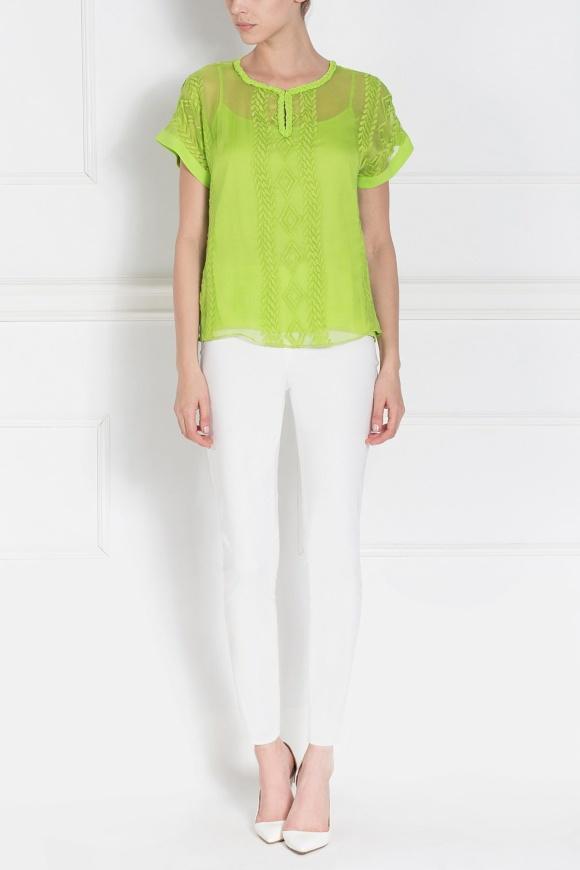 Zielona haftowana bluzka z krótkim rękawem