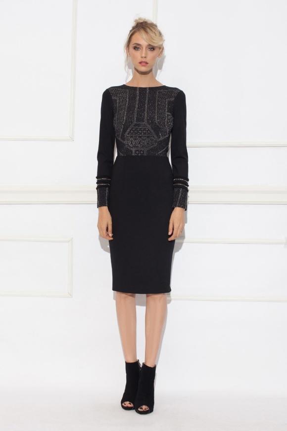 Czarna sukienka z metaliczną wstawką