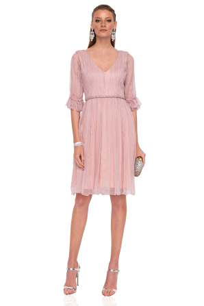 Jedwabna sukienka midi ze detalami w talii