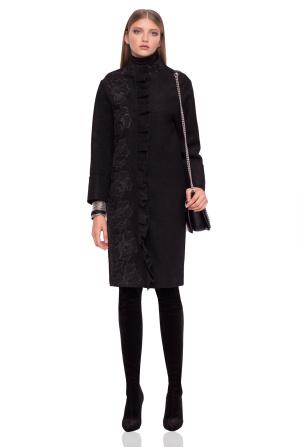 Elegancki płaszcz z falbanami