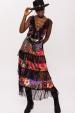 Satynowa sukienka z koronkowymi wstawkami i falbankami