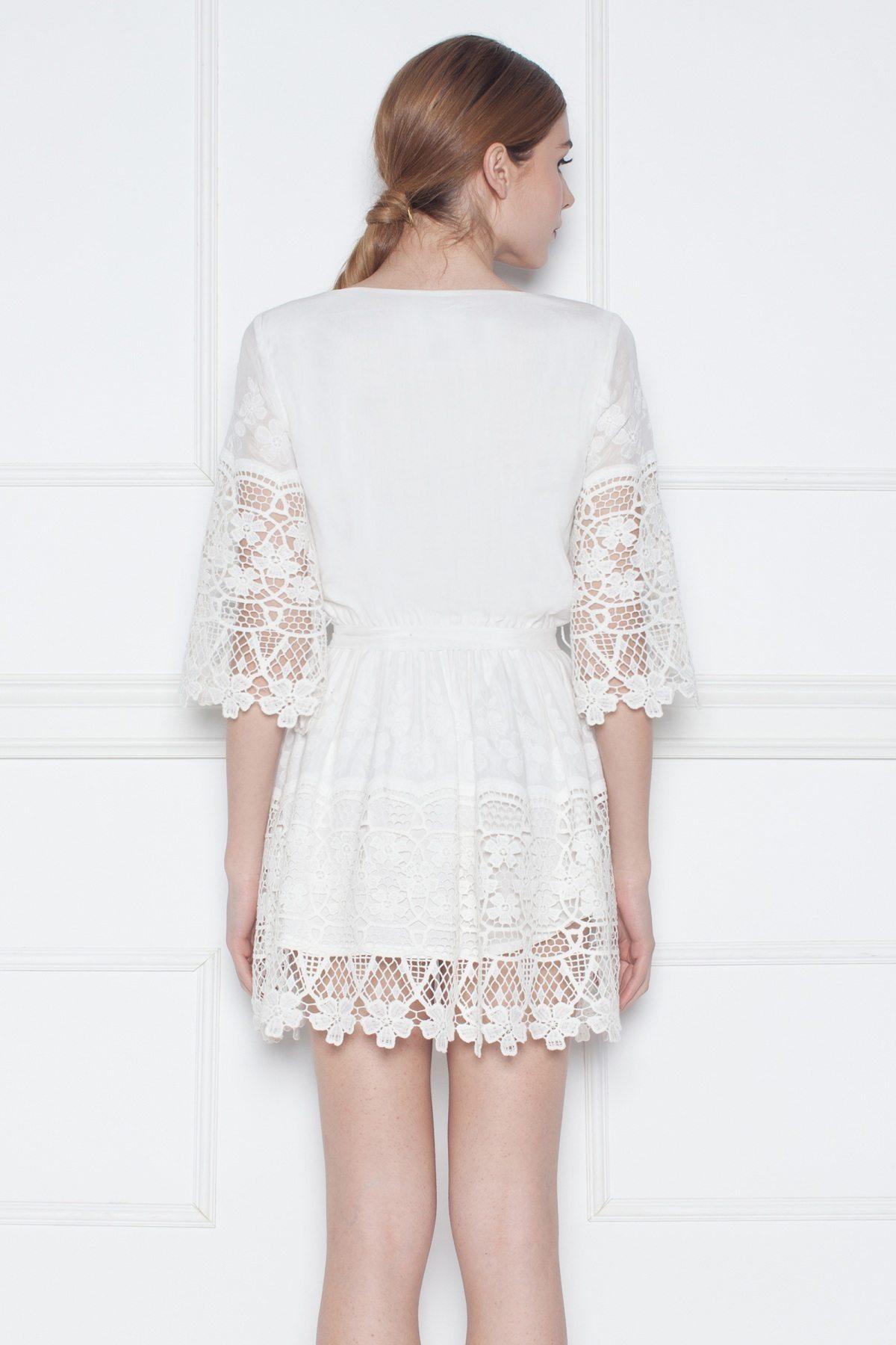ab3120a7b4 Krótka biała sukienka z haftem